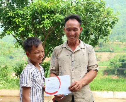 COVID-19 relief: Cash transfer in Lao Cai